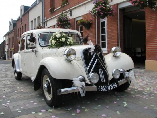 Transport na przyjęcie weselne dla pary młodej
